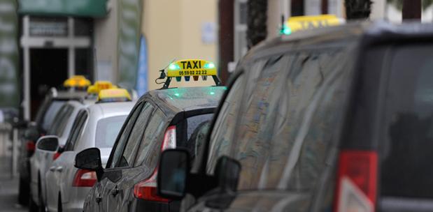 Tingkatkan Jumlah Pelanggan Taxi dengan Aplikasi Smartphone