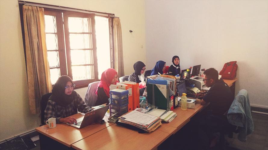 Ruang kerja divisi HRCS