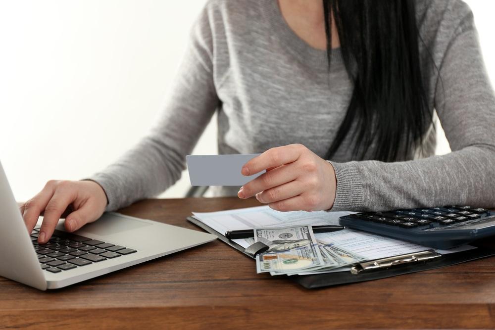 mengelola keuangan usaha wirausaha, pengelolaan keuangan dalam bisnis, mengelola keuangan dalam bisnis, aplikasi kelola keuangan